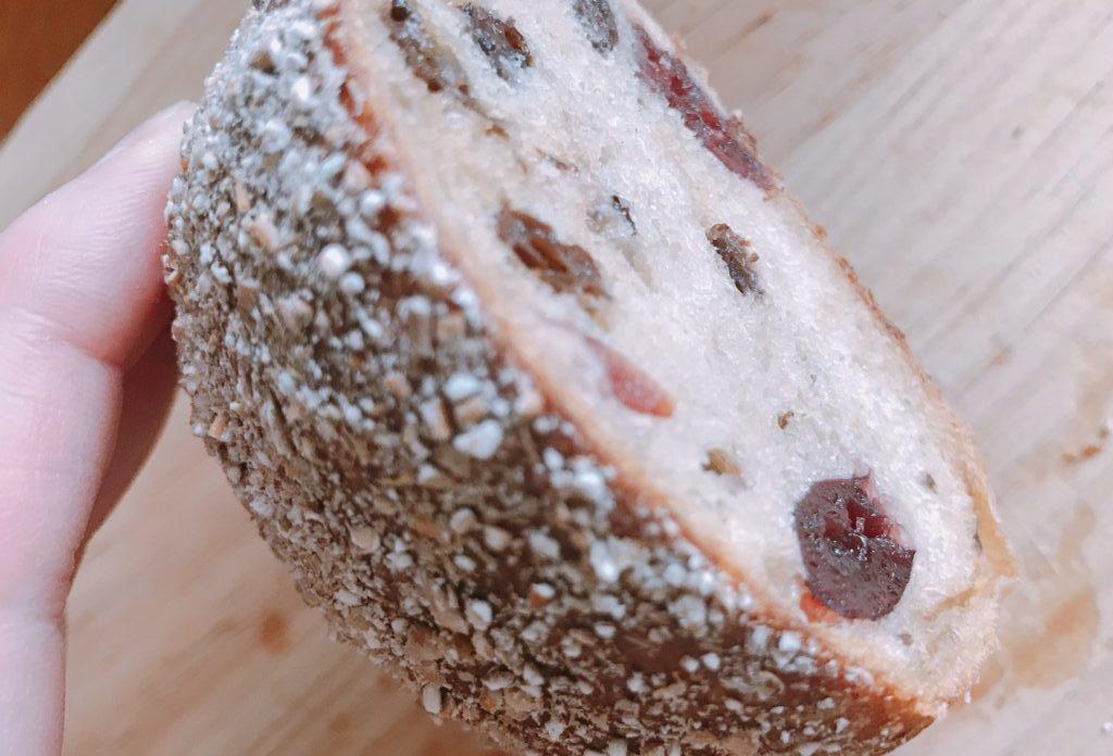 そば粉のパン、クランベリー―入り