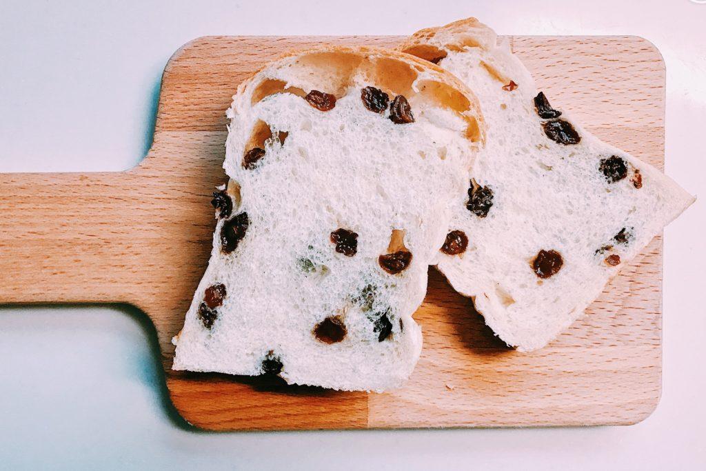 ふわふわのぶどう食パン