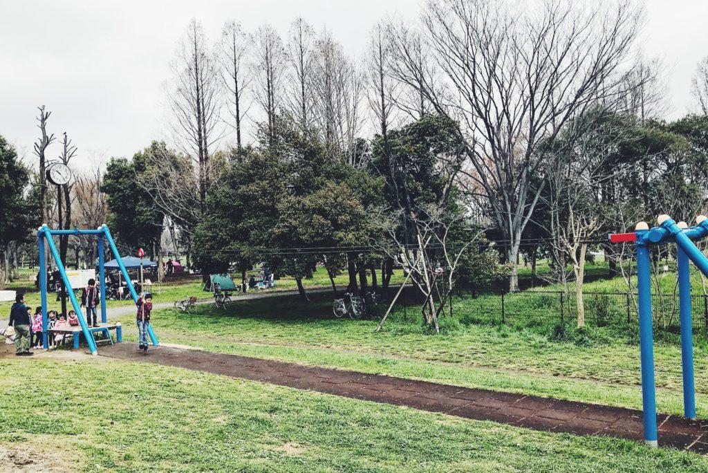 子ども遊具エリアにあるターザンロープ