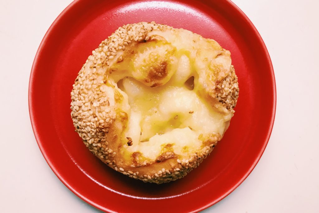 森パンのごまチーズ