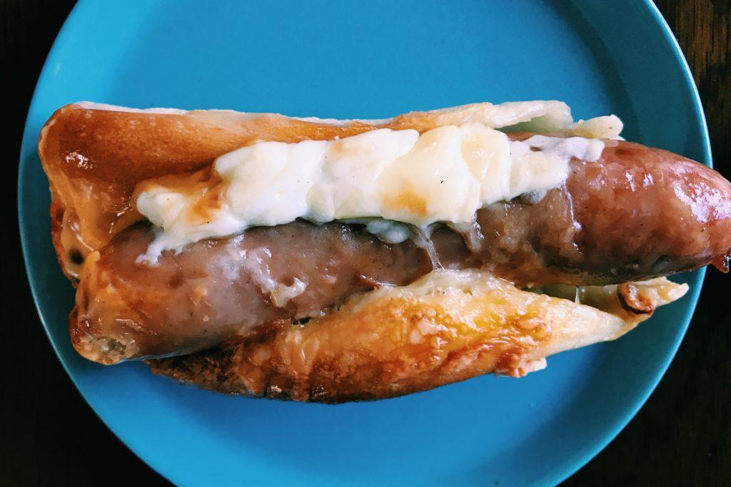 トリプルチーズのジューシーフランク